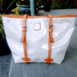 Dooney and Bourke Ivory patent leather handbag